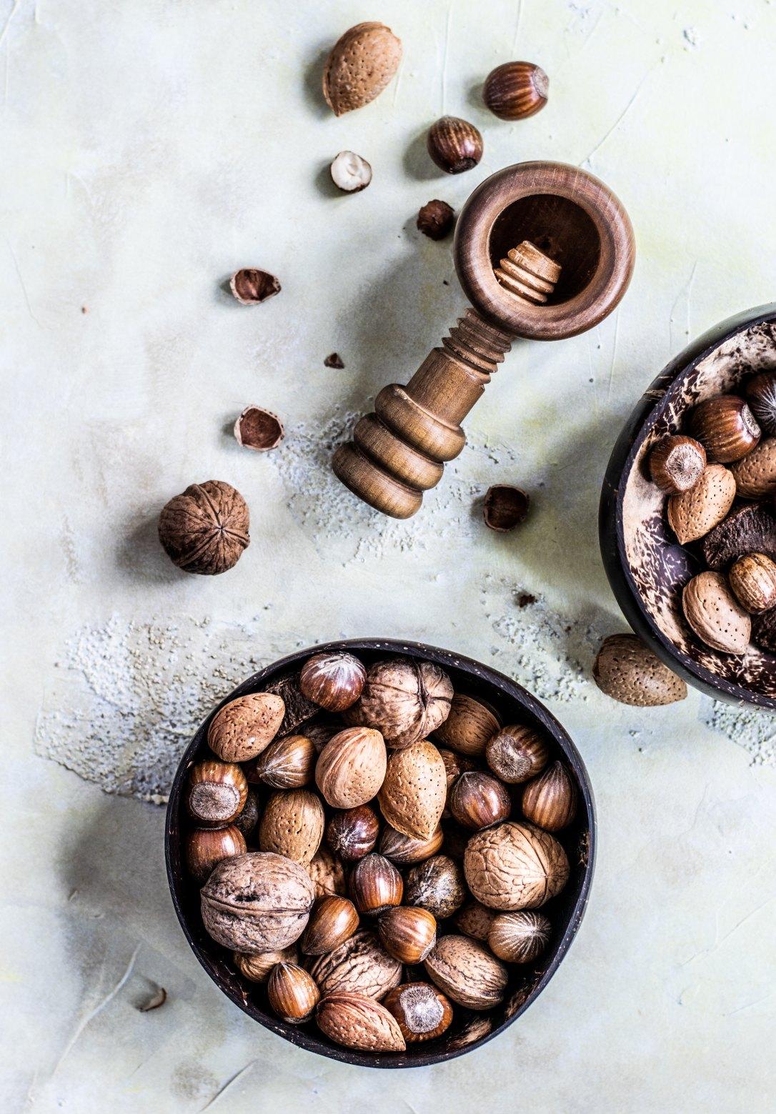 Samen und Nüsse